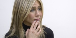 jennifer-aniston-breast-cancer-center-10042011-26-430x325