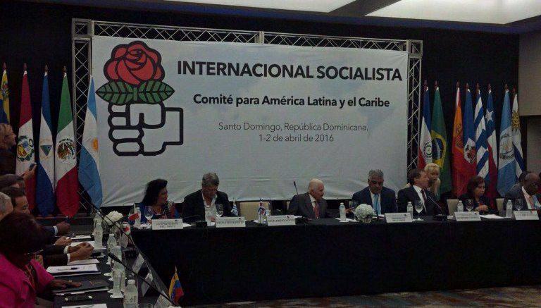 internacional socialista pide activar carta democrática OEA