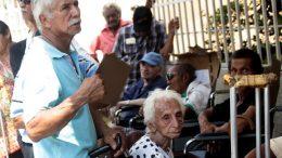 cola para cobrar pensión